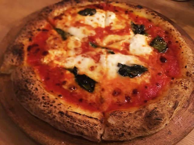ピッツァ窯を使わなくともこの旨さ! 我流レシピで作る「ナポリ風ピッツァ」