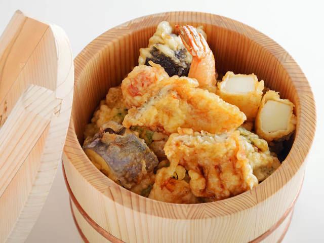 1,000円で名店『つちや』の天丼が食べられる! 大阪駅構内にオープンした天丼専門店