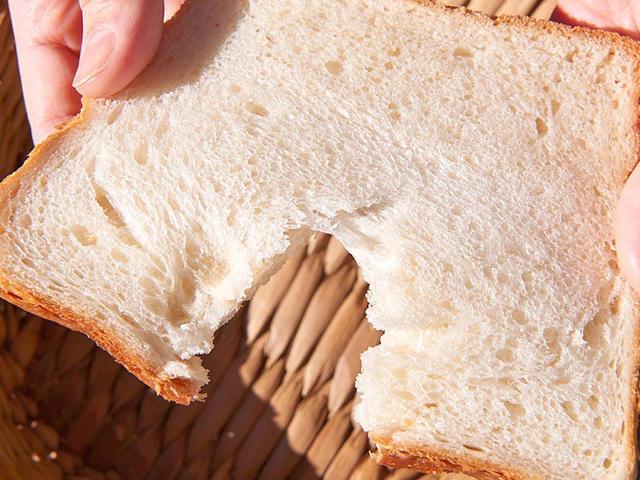 開店30分で完売!?  もっちり食感がたまらない、幻の「角食パン」を一度は食べてみるべし