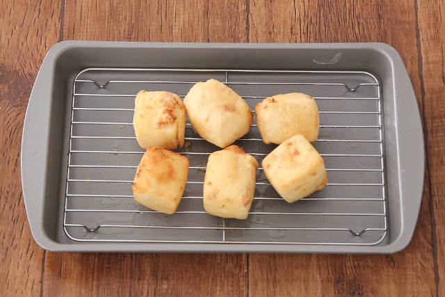 【point3】豆腐は小さめにカットし、短時間で揚げる