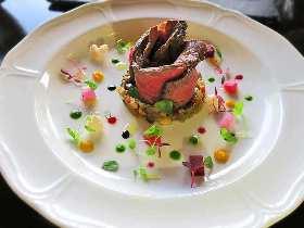 わざわざ行きたい!今年、葉山にオープンしたばかりのオトナ限定一軒家レストラン