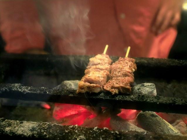 焼きとんの名店『久遠の空』の豚モツをおいしく食べ尽くすコースが秀逸【腕利き料理人が通ううまい店】