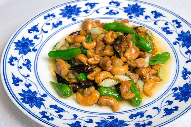 「鶏肉とカシューナッツのピリ辛炒め」の作り方