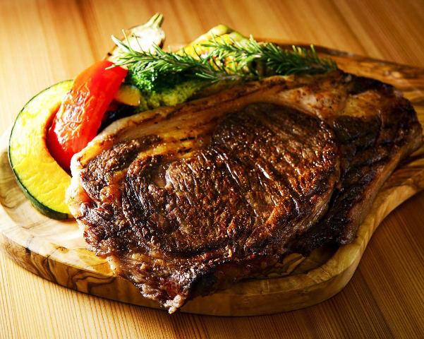 【奥渋谷】北海道産の極上「牛肉」が超ウマい! 牧場が開いた最強の肉レストラン『ペコシセ』