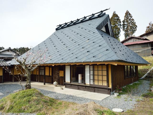 人里離れた山奥に予約が取れない話題店が! 採れ立て、掘り立て、もぎたての古民家 日本料理店『心根』